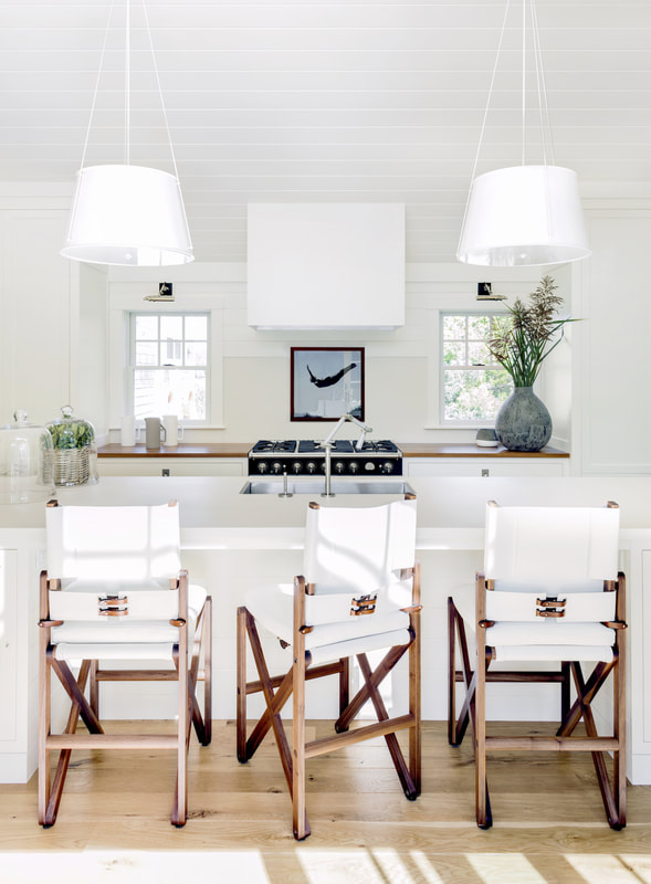 Designer Lisa Tharp Brings a Salt Marsh Colonial to Life.jpg