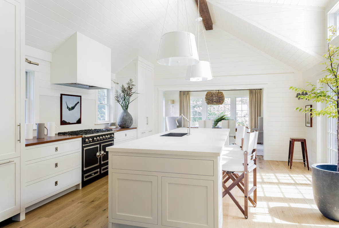 Designer Lisa Tharp Brings a Salt Marsh Colonial to Life 6.jpg