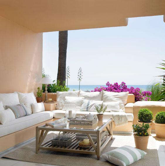 Outdoor Living Island Style 1.jpg