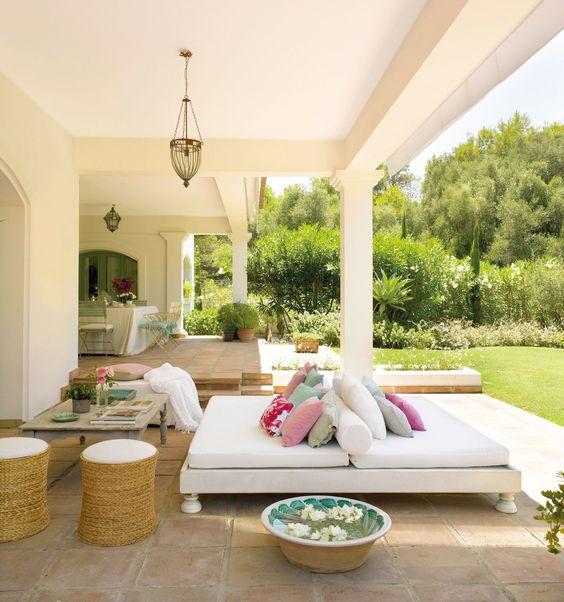 Outdoor Living Island Style 15.jpg