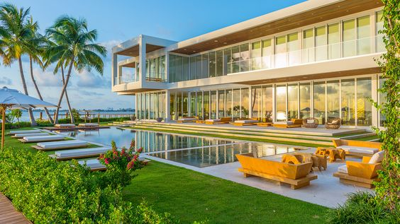 Glamorous Oceanfront Beach House in Miami 1.jpg