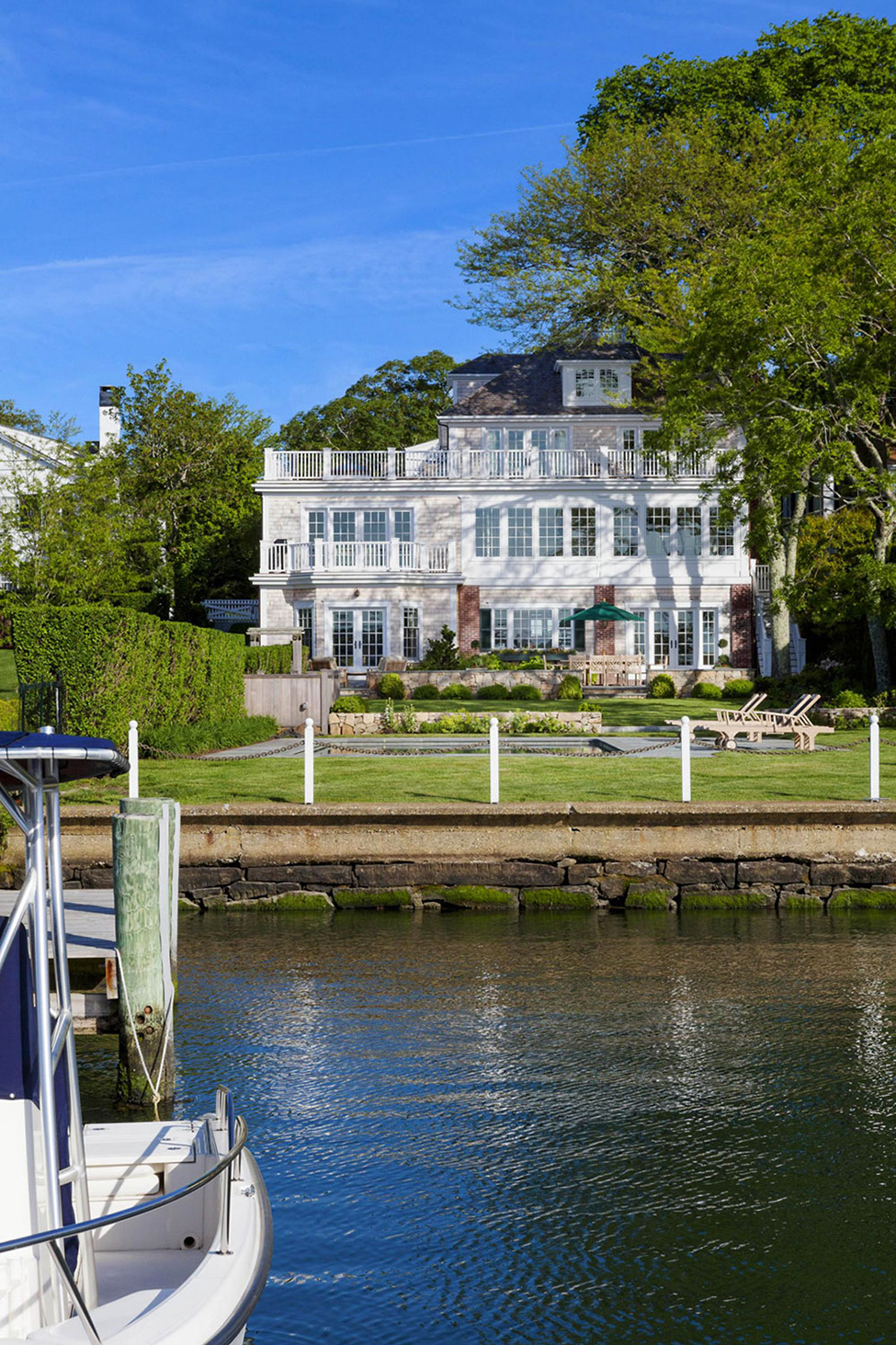 House Tour-A Classic Beauty on Pituresque Cape Cod 4.jpg