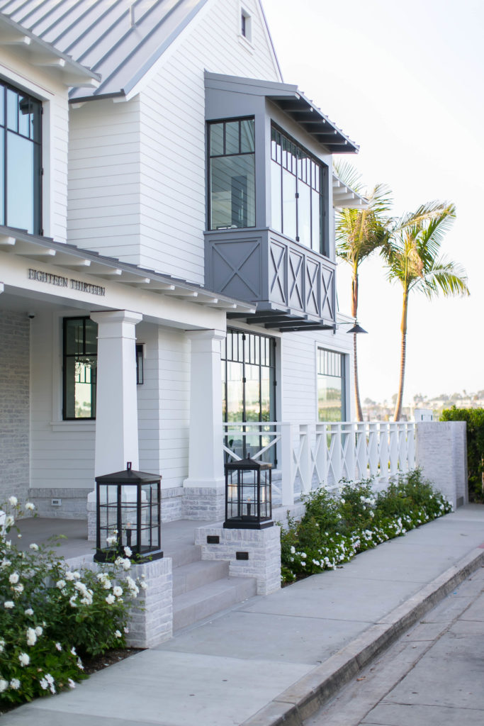 House Tour-Beach House Eye Candy in California 61.jpg