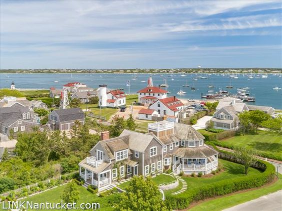- Beautifully redesigned by Botticelli and Pohl Architects and renovated by O'Connor Custom Builders. Nantucket Real Estate.
