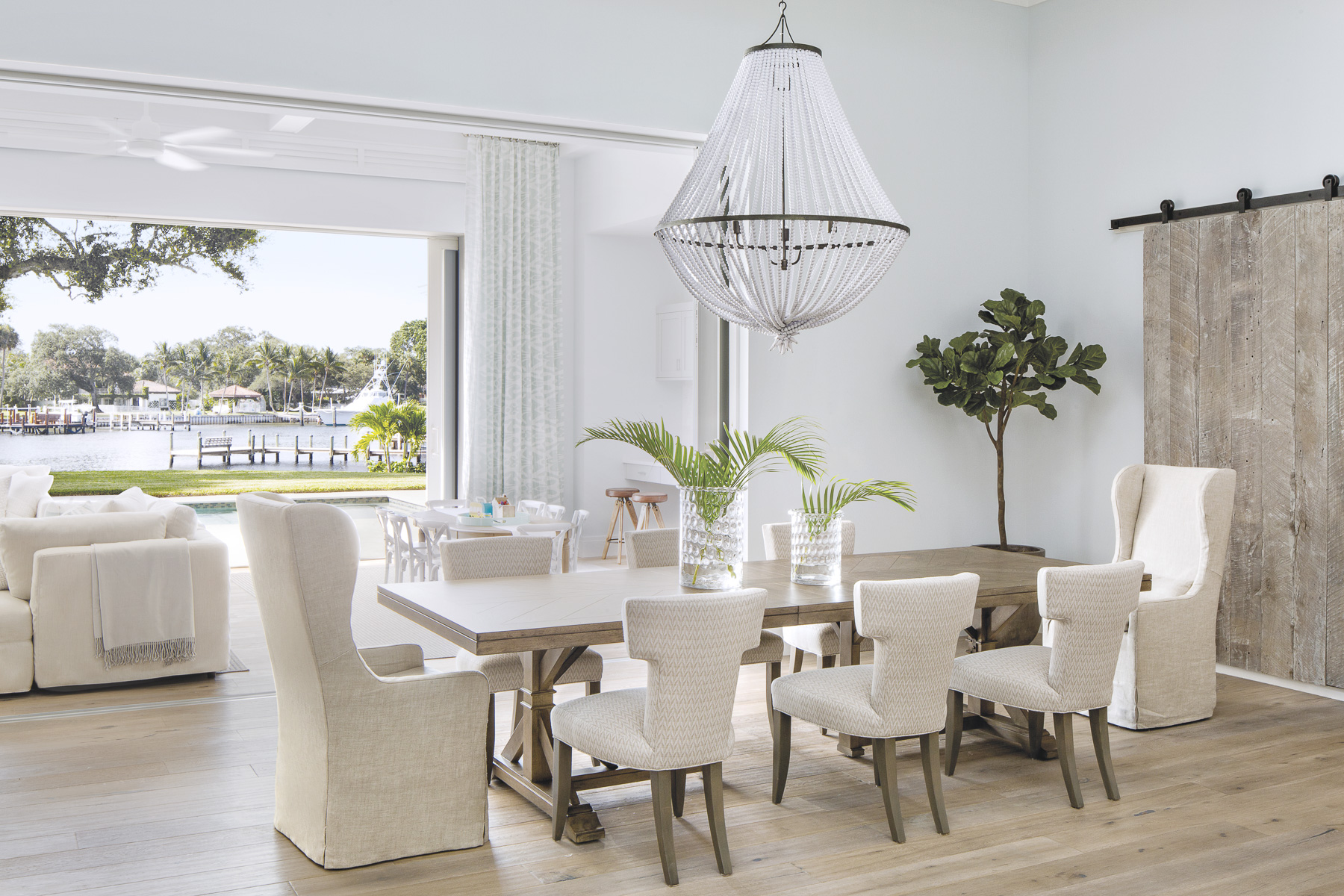 Home Tour-A Luxurious Beach Bungalow on the Intercoastal Waterway 5.jpg