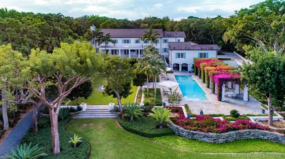 - The 205 ft waterfront takes stage at the exceptionally detailed 7 bedrooms, / 8.5 baths home spread over 4 magnificent acres.