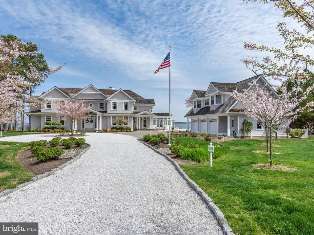 - Custom-built waterfront estate located within 2 miles of historic St Michaels situated on 2+/- acres brings together the needs of the most discerning of buyers. Maryland.