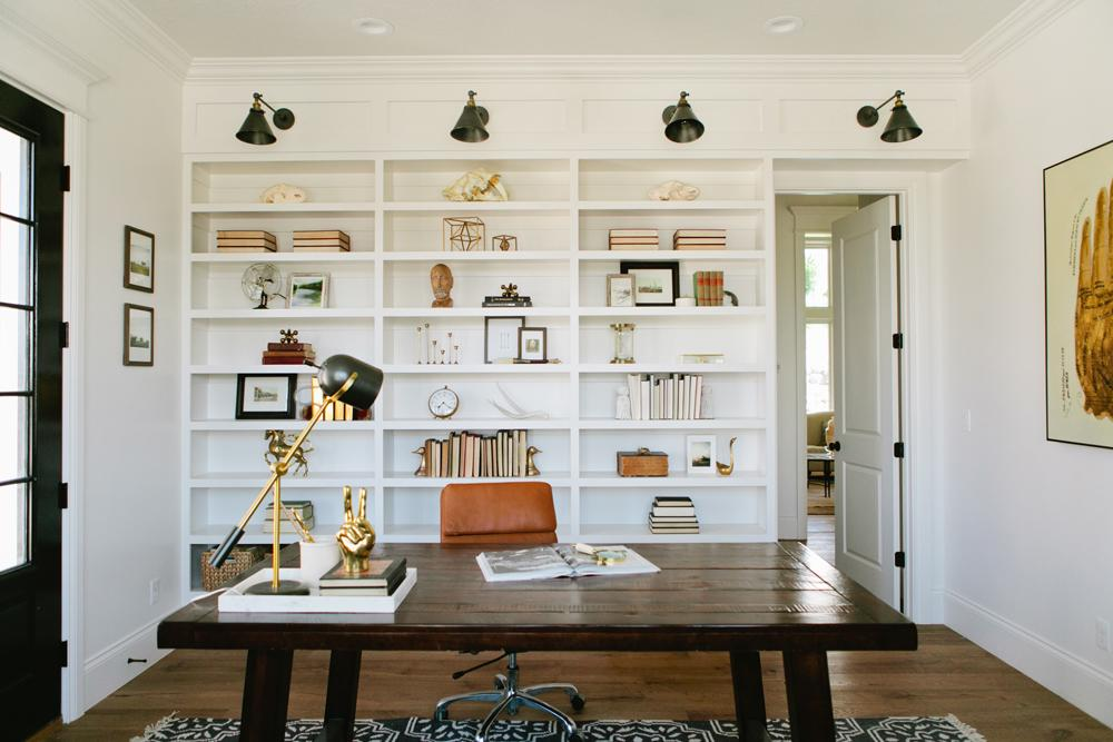 House Tour-The Chicest Modern Farmhouse Any Family Would Love 57.jpg