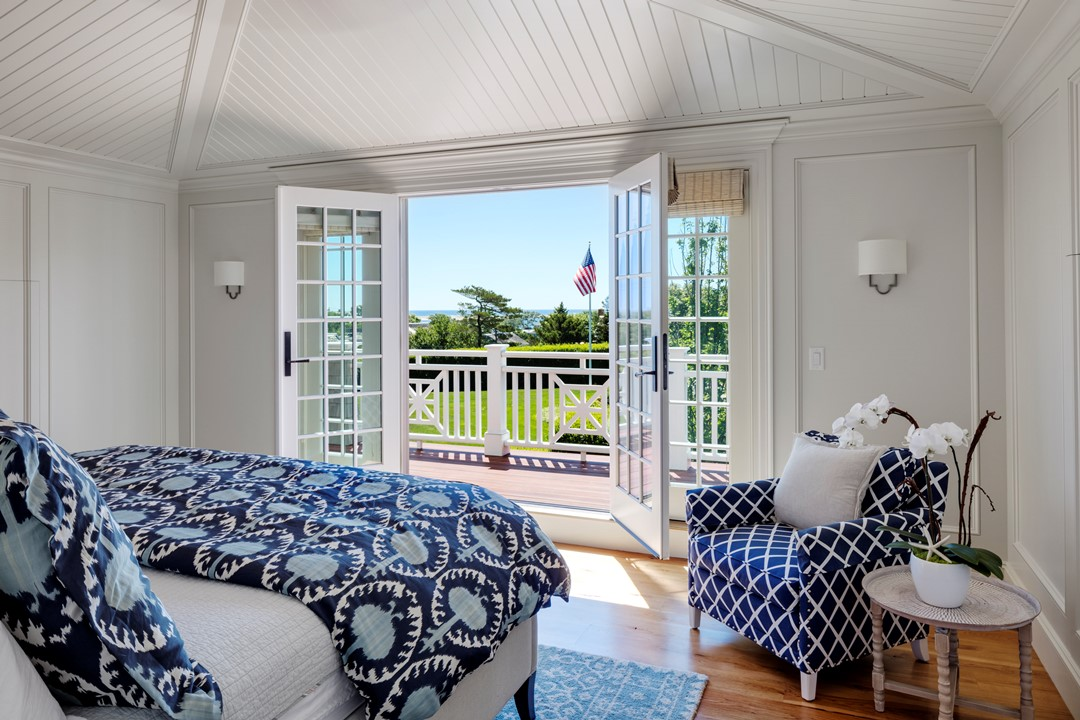 House Tour-A Beach House Celebrating the Cape Livestyle 16.jpg