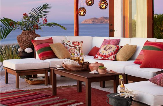 Be Inspired-The Prettiest Outside Sitting Areas 12.jpg