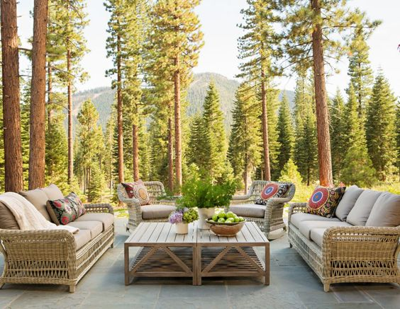 Be Inspired-The Prettiest Outside Sitting Areas 13.jpg