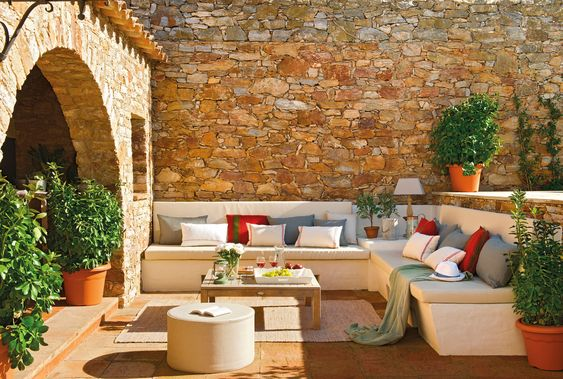 Be Inspired-The Prettiest Outside Sitting Areas 16.jpg
