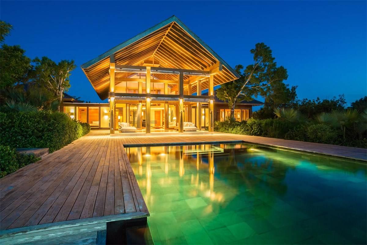 Luxurious Beach Estae in Turks and Caicos for Sale 1.jpg
