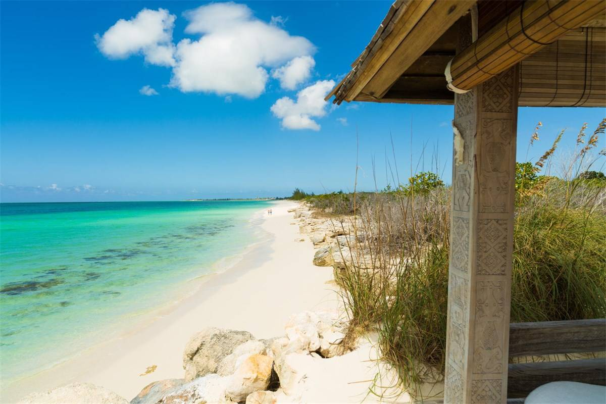 Luxurious Beach Estae in Turks and Caicos for Sale 11.jpg