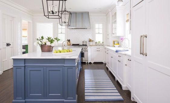 Similar Kitchen Runner  |  Similar Range Hood |  Similar Black Pendant  |