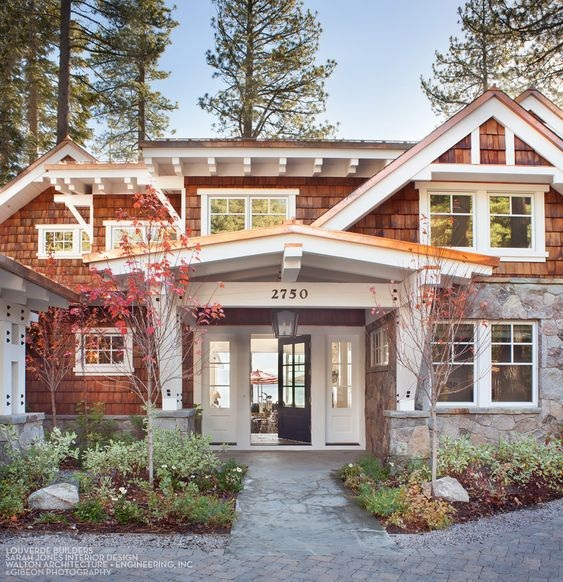 House+Tour-A+Timeless+Dream+House+on+The+Shores+of+Lake+Tahoe+1.jpg
