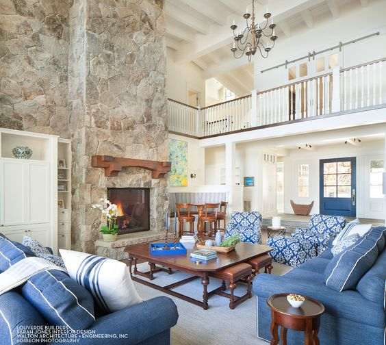 House Tour-A Timeless Dream House on The Shores of Lake Tahoe 2.jpg