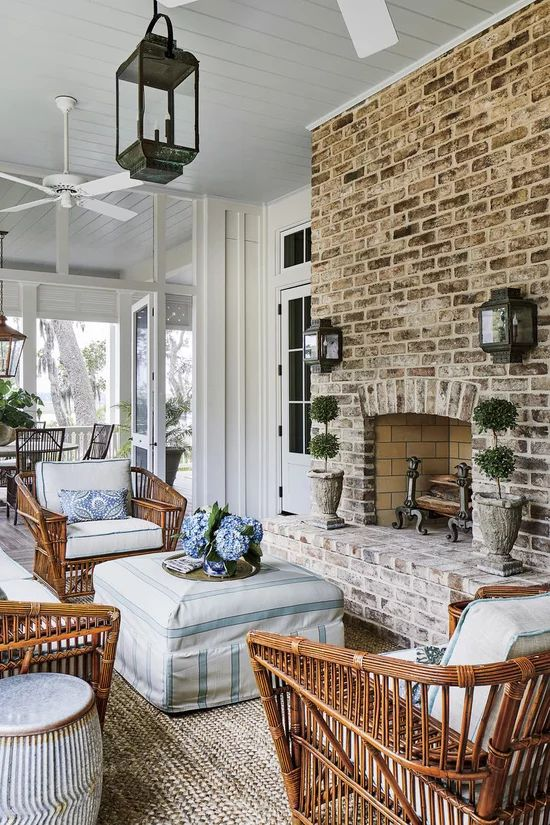 House Tour-A Real Southern Coastal Dream House 7.jpg
