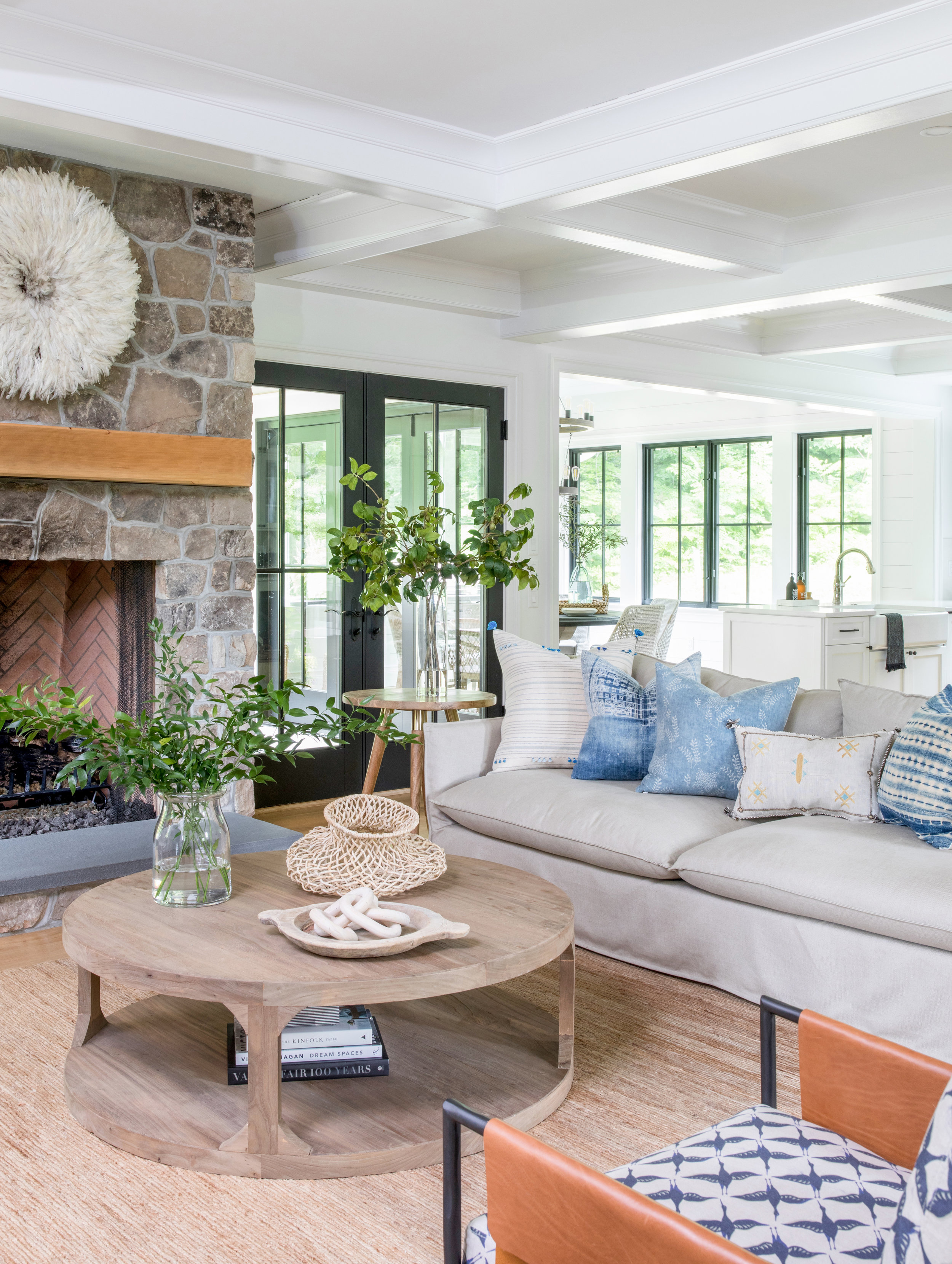 House Tour-  I Love This House's Modern Twist on Classic Traditional Style 4.jpeg