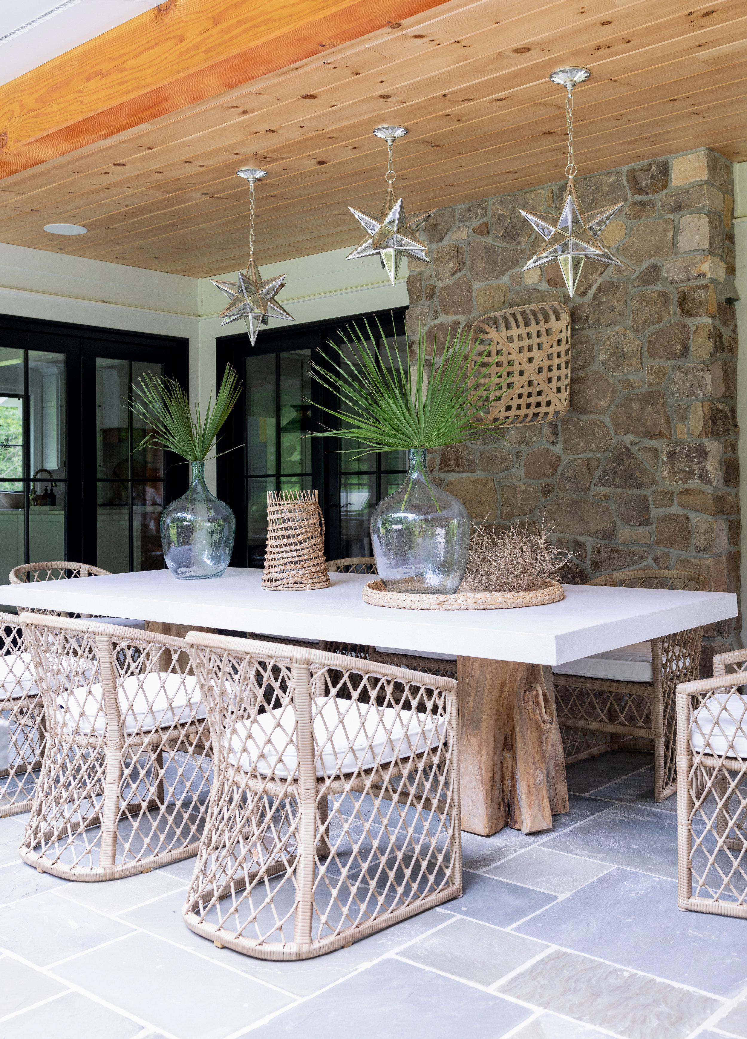 House Tour-  I Love This House's Modern Twist on Classic Traditional Style 13.jpeg