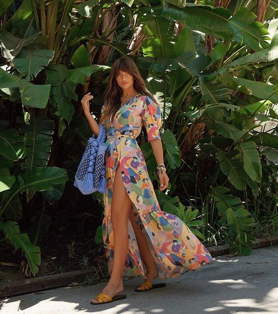 Rocky Barnes   is the epitome of the Beach Pretty girl…what an easy + pretty look…go bold and own it.