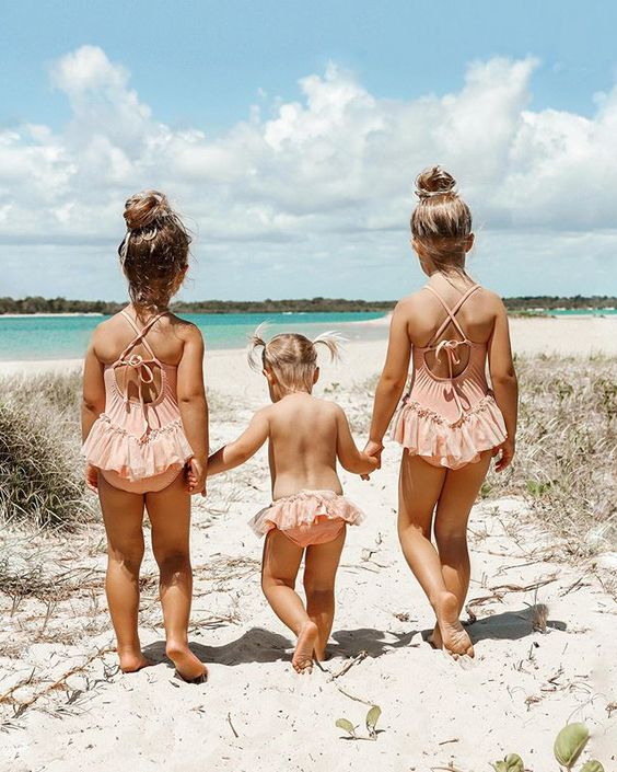 Cuteness overload with the   Quinn Girls  …another Beach Pretty family to follow on Insta.