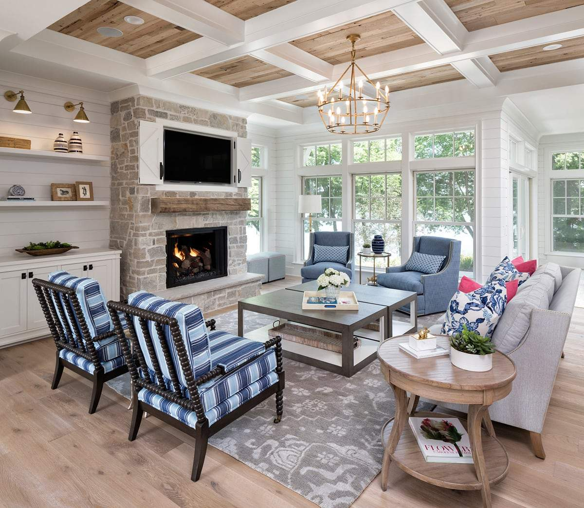 House Tour-Yes Please, A Fresh and Classic Weekend Retreat 2.jpg