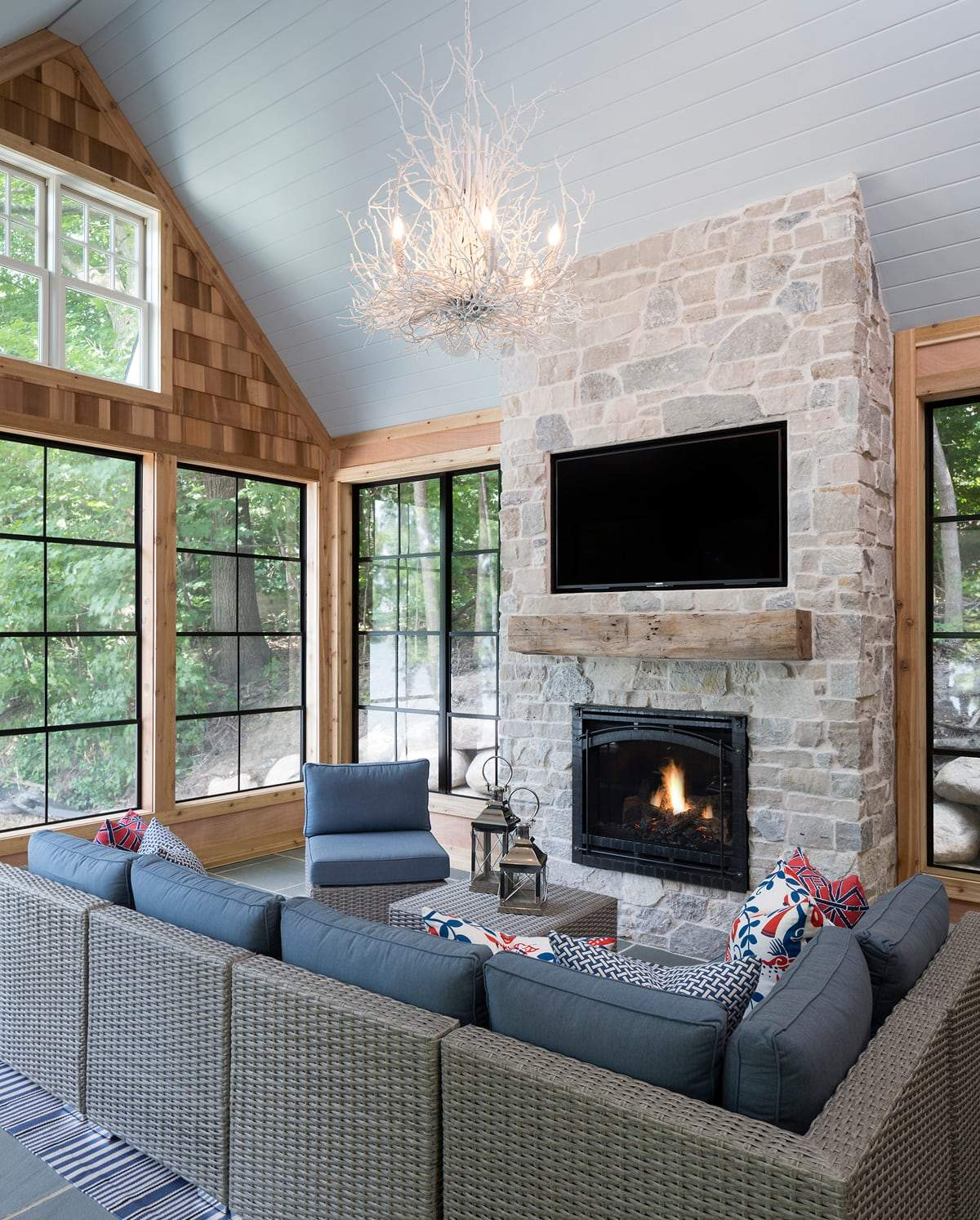 House Tour-Yes Please, A Fresh and Classic Weekend Retreat 9.jpg