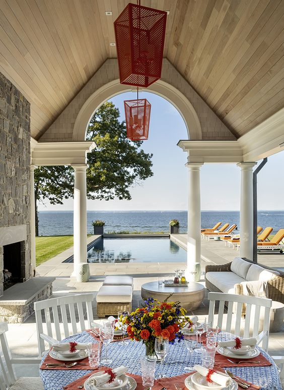 A room for all seasons, a summer luncheon or cocktails by the fire in the fall, the perfect area to entertain.
