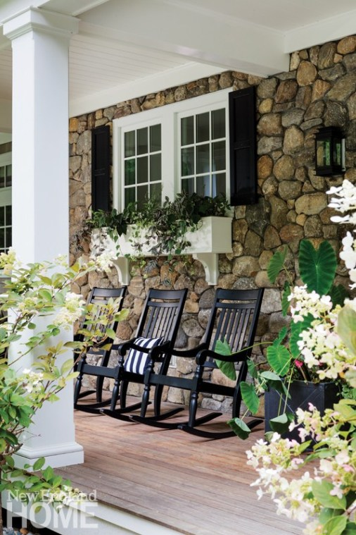 Doesn't get any closer to New England charm than on this pretty porch..idyllic.