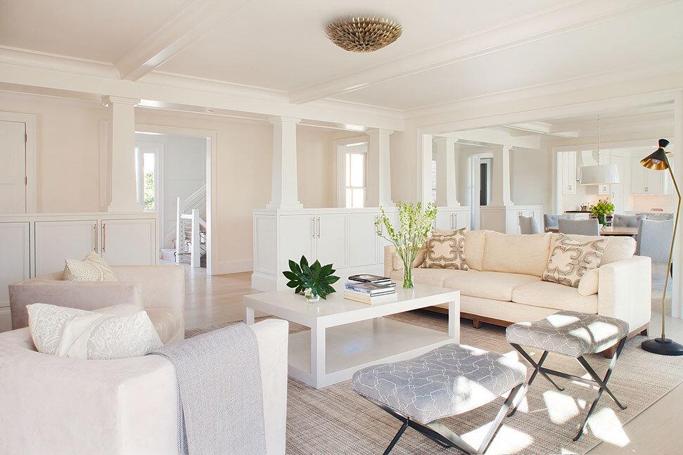 House Tour-The New Coastal Beauty Style of Interior Designer Cynthia Hayes 1.jpg