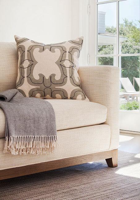House Tour-The New Coastal Beauty Style of Interior Designer Cynthia Hayes 2.jpg