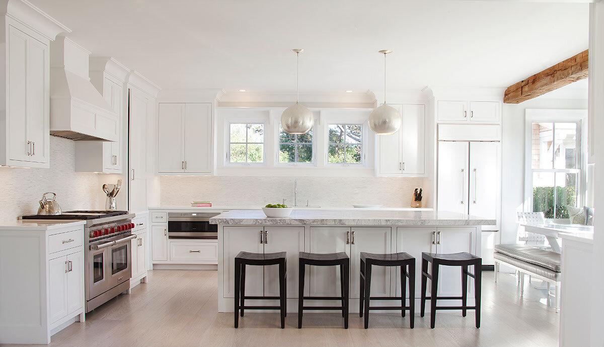 House Tour-The New Coastal Beauty Style of Interior Designer Cynthia Hayes 4.jpg