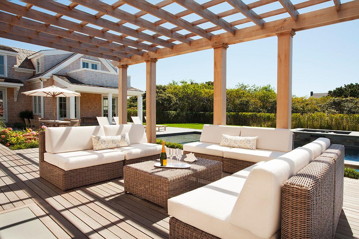 House Tour-The New Coastal Beauty Style of Interior Designer Cynthia Hayes 17.jpg