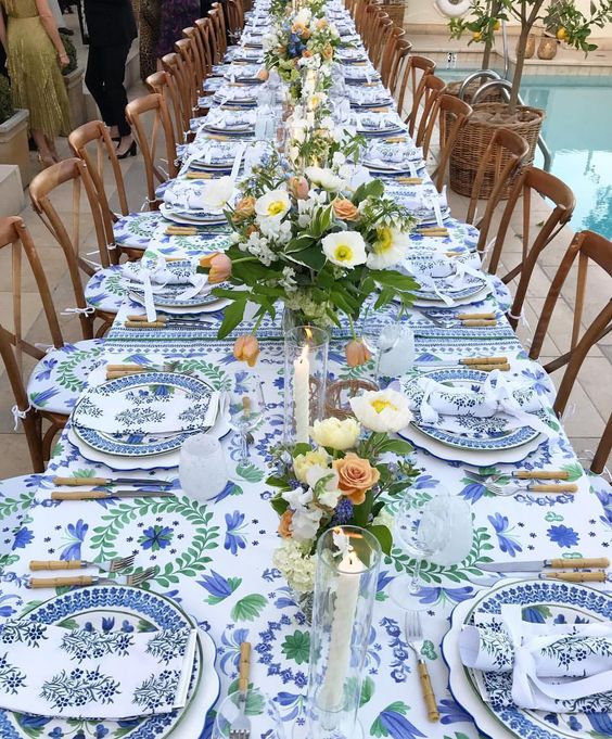 This table is from the collection of Aerin Lauder…it reminds me of how a table would be set in the French country side…breathtakingly beautiful.  Via
