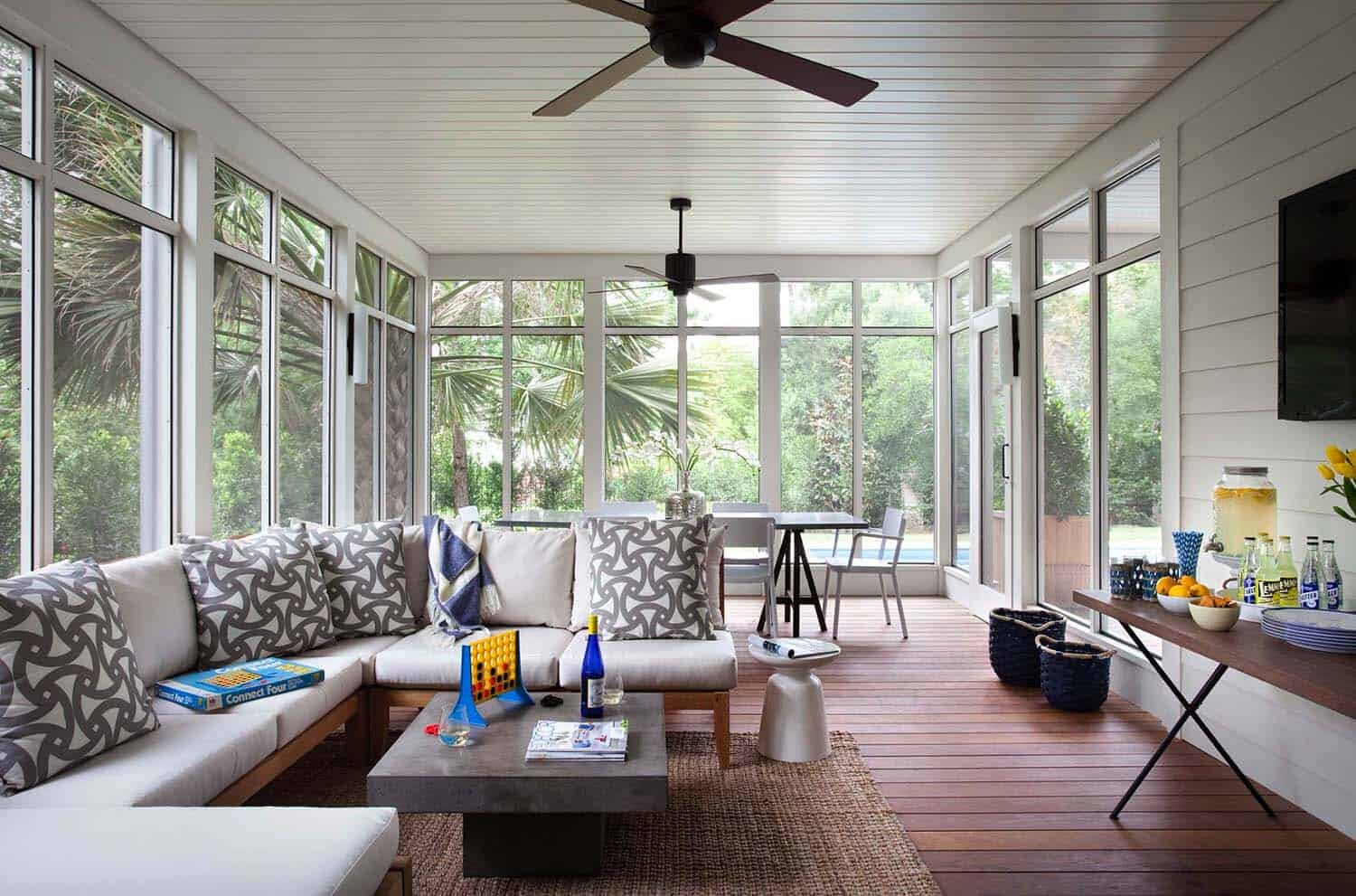 If you're style is more minimalist-then this sunroom will give you plenty of inspiration!