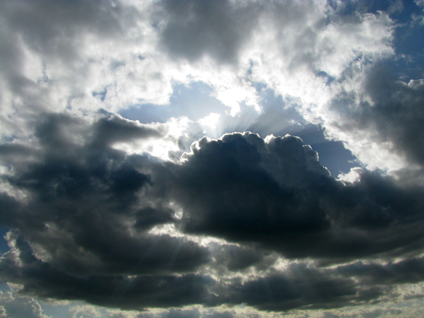 Blue storm clouds 600px.jpg