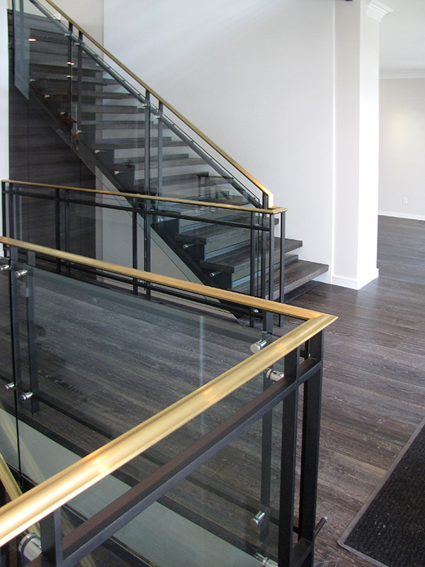 modern-glass-railing-interior_1.jpg