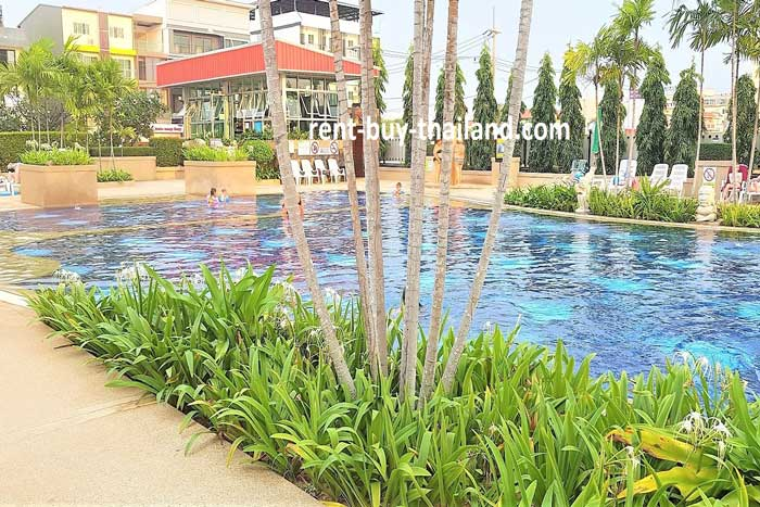 Jomtien Beach Condo Pool Area