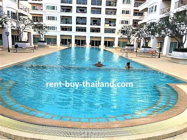 Platinum Suites Swimming Pool