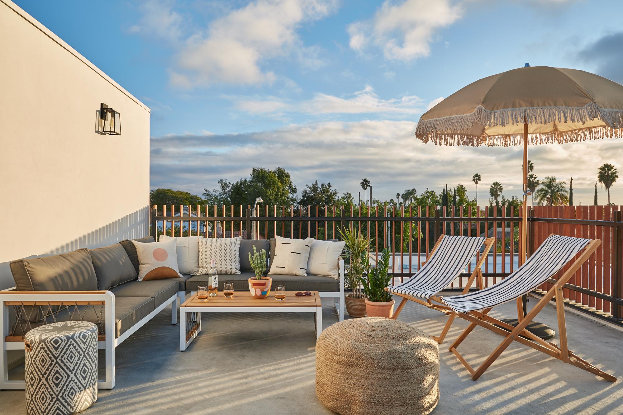 Rooftop Deck / 360 Views