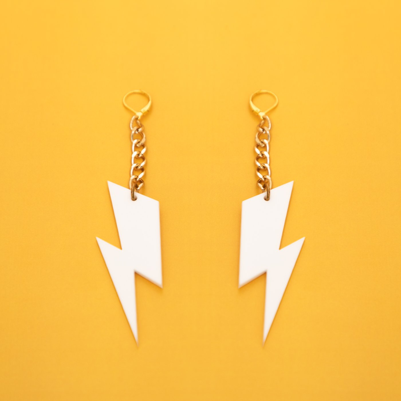 MindFlowers_Ziggy_White_Gold_Chain_Earrings_1024x1024@2x.jpg
