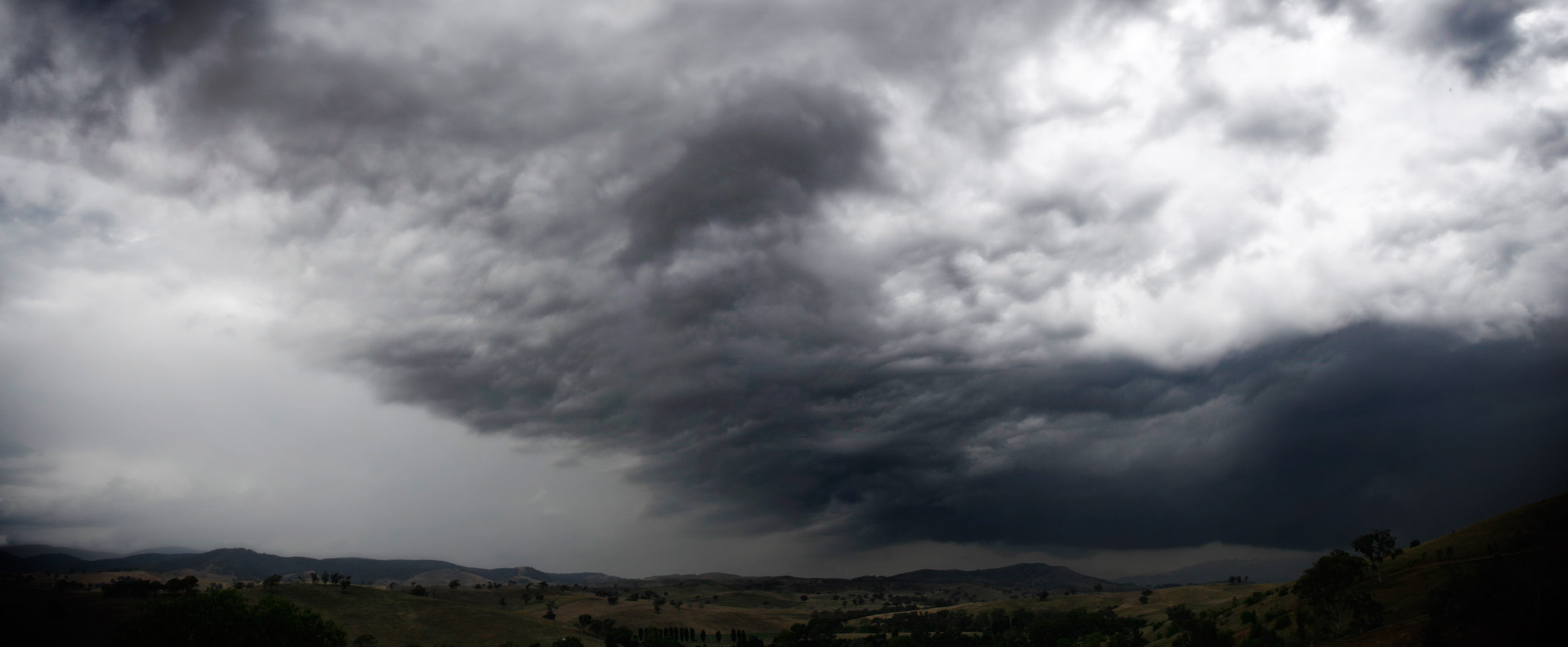storm_clouds_over_swifts_creek.jpg