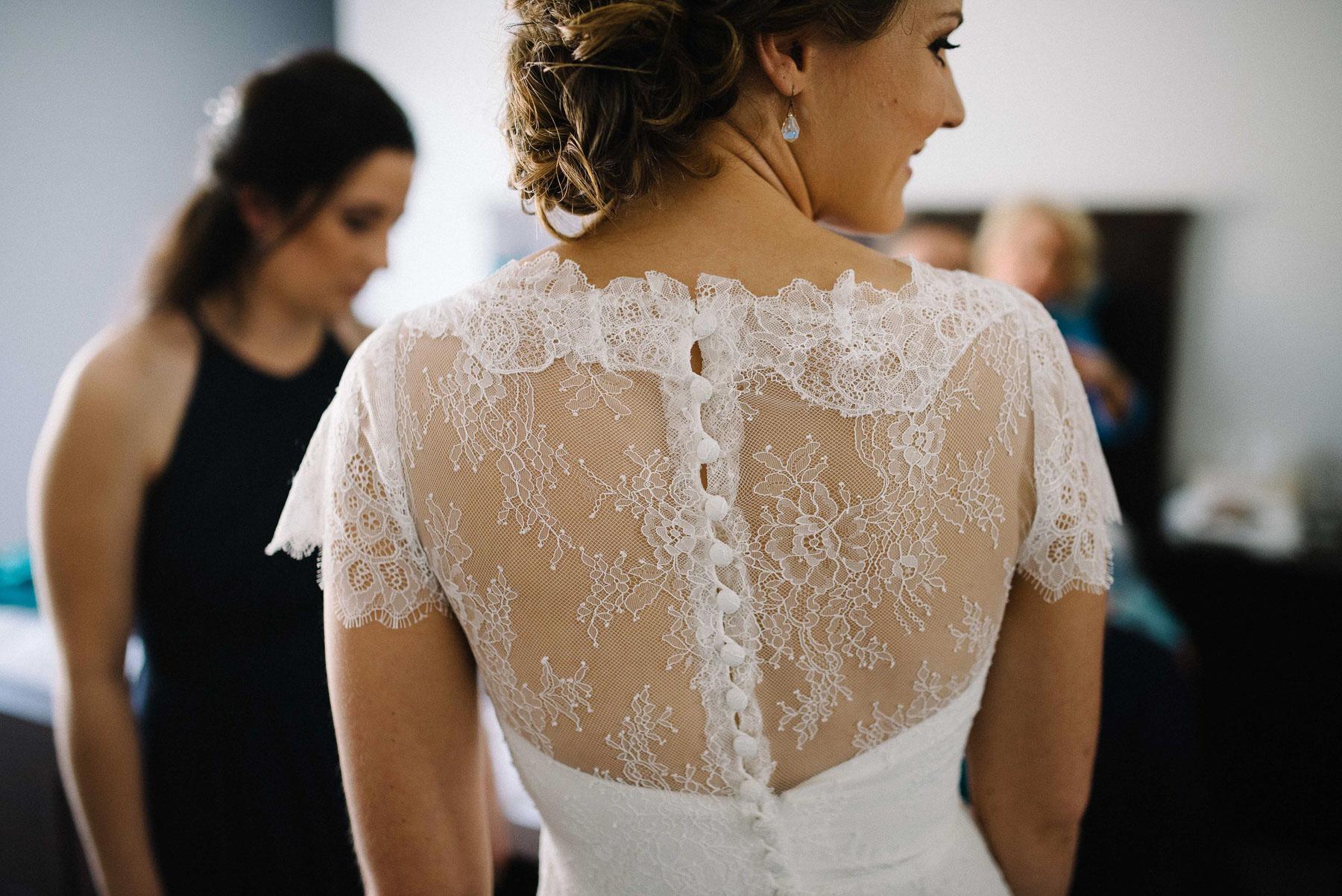 18-lace vintage wedding dress perth.jpg