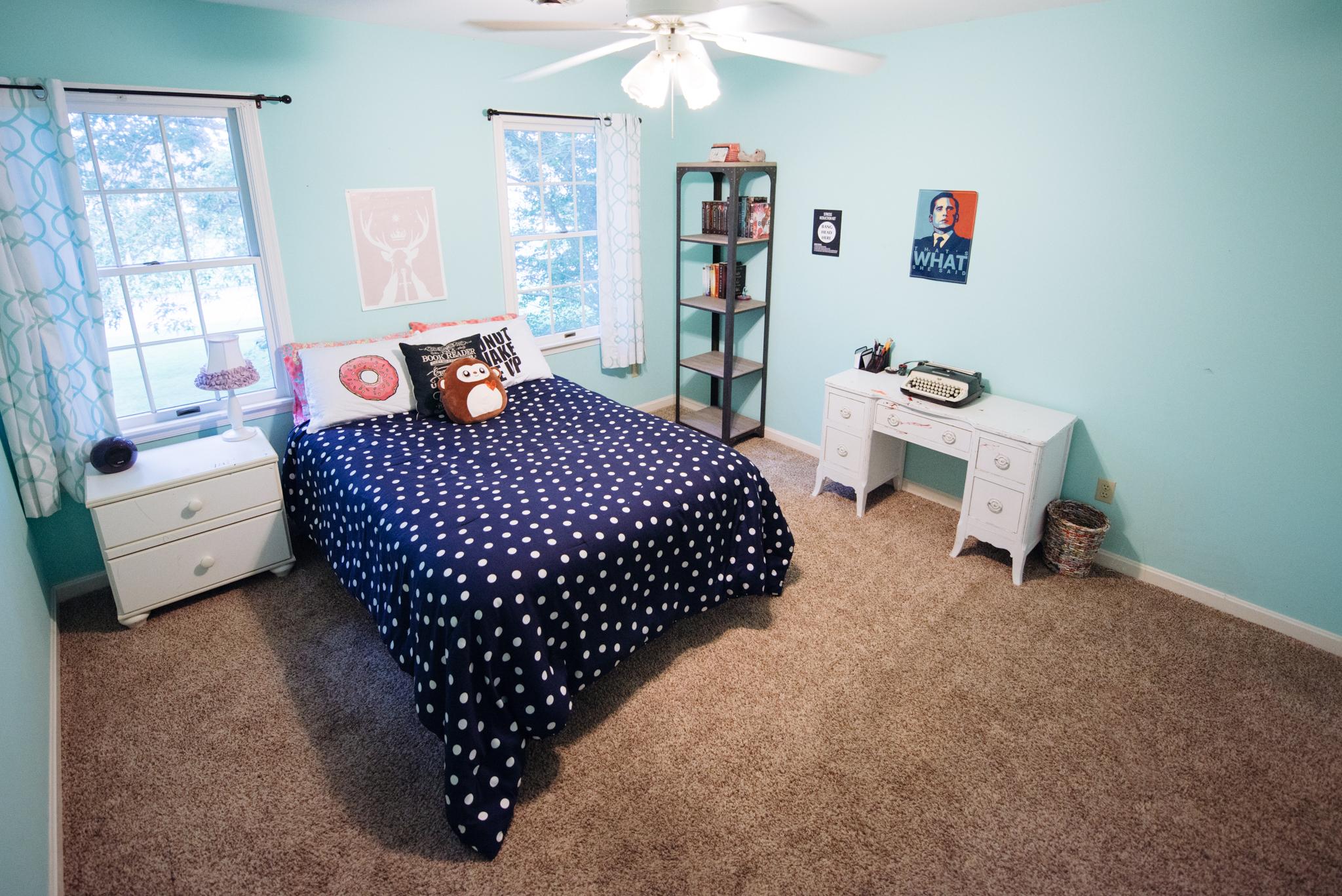 Bedroom 2 - 13' x 12' (approx)