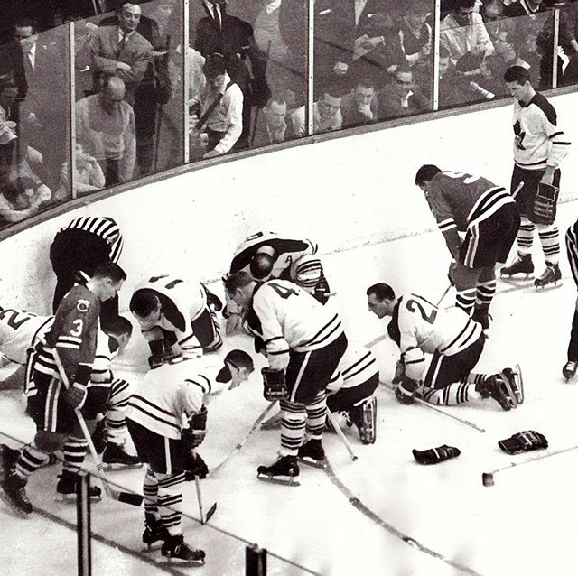A lost contact lens in 1962 stops a Leafs-Blackhawks game.  #leafs #blackhawks.  https://calgaryvisioncentre.com/news/2018/4/5/what-are-these-guys-looking-for