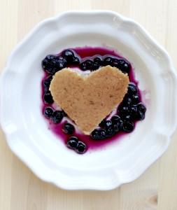 Amber_Ketchum-heart_pancake_pic1