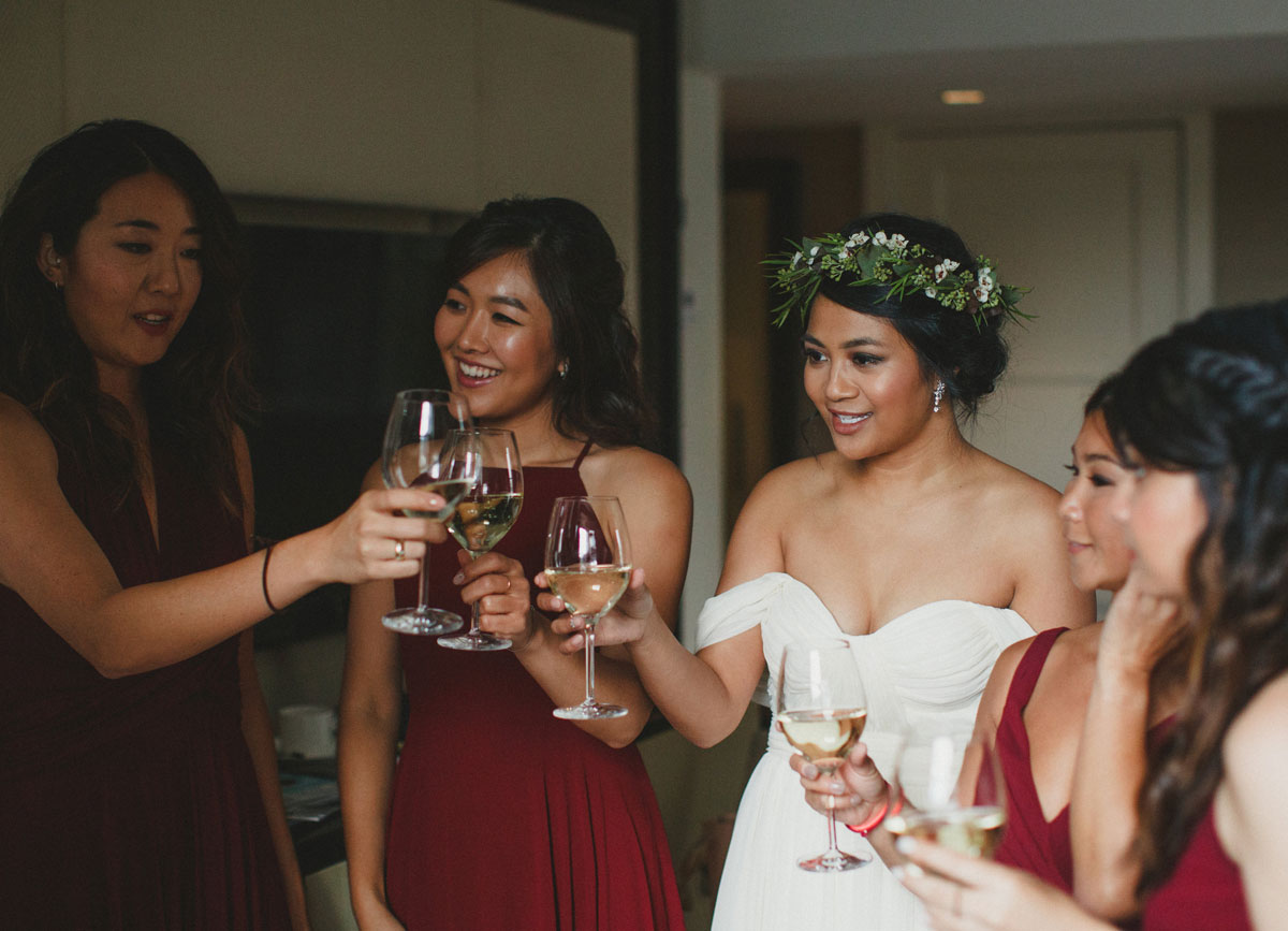 dloveaffair_wedding_bridal_party_cheers.jpg