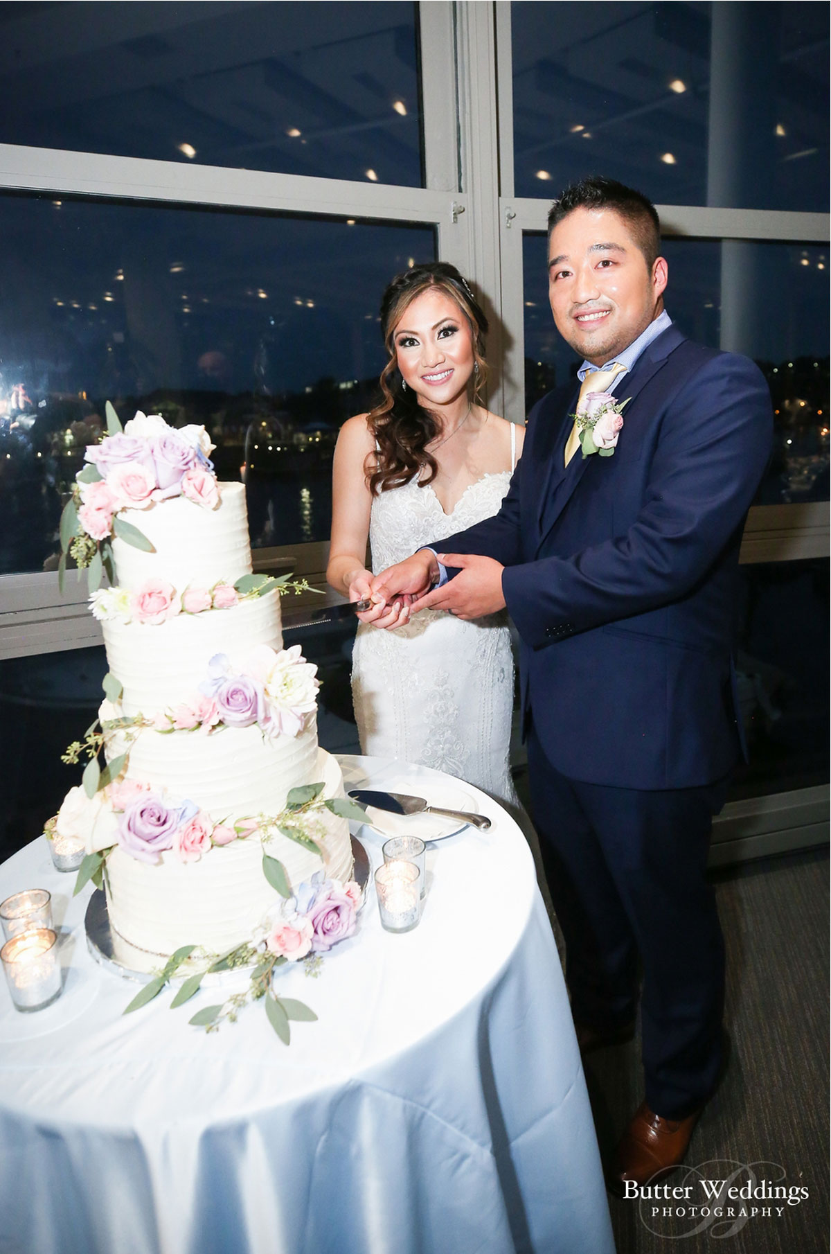 bride_groom_cakecutting.jpg