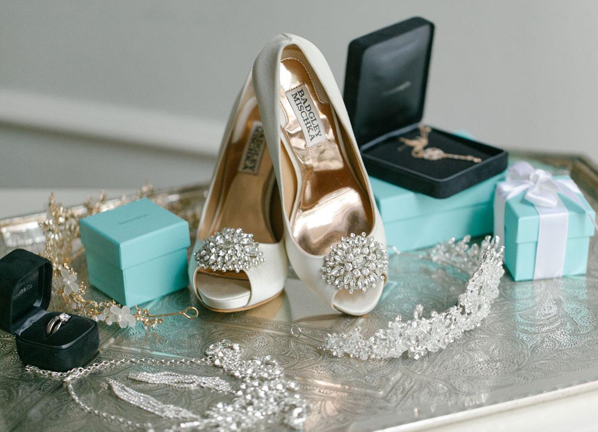 dloveaffair_bridal_accessories.jpg